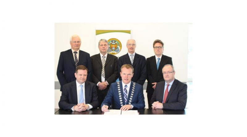 Atkins signs contracts for Carrigaline Western Relief Road